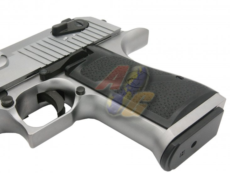 Cybergun/ WE Full Metal Desert Eagle L6 .50AE Pistol ( Silver/ Licensed by Cybergun ) - Click Image to Close
